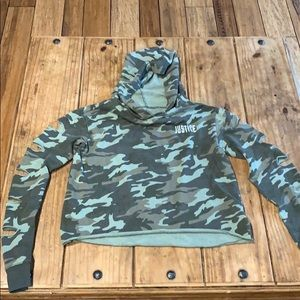 Justice cropped camo hoodie w/ sleeve holes 14/16